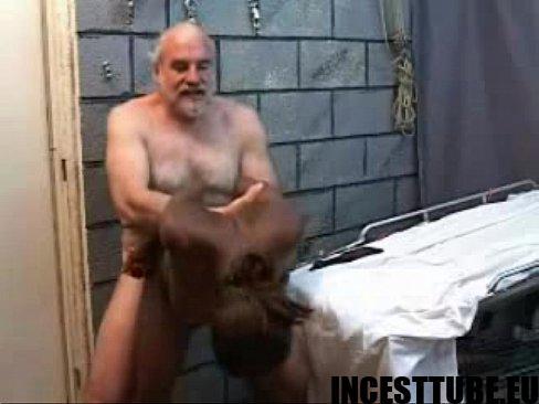 razvlecheniya-bogatih-starikov-izvrashentsev-porno-video-aziatki-s-dlinnimi-volosami-foto